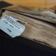Ein altes Buch aus dem Archiv.