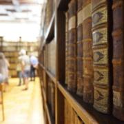 Der prunkvolle Saal der Unibibliothek.
